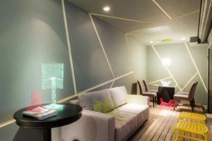 forro-de-gesso-e-paredes-decorados-com-barrado